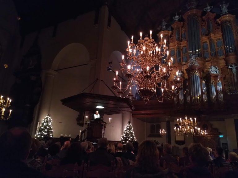 interieur groote kerk sfeervol kerst